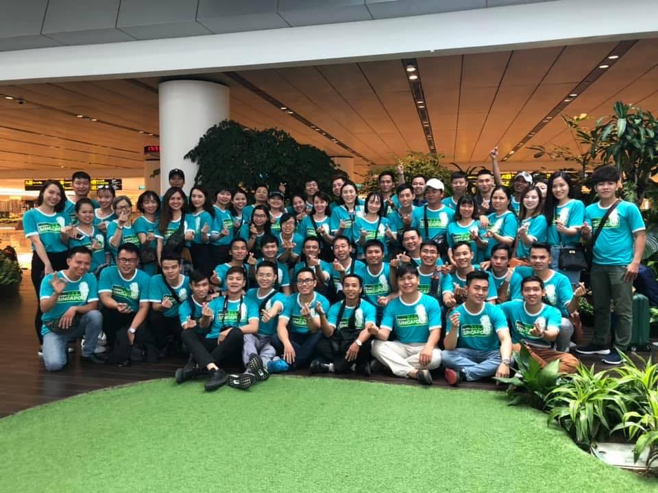 Gần 60 doanh nhân các công ty tham gia chuyến hành trình Singapore Be Camp.